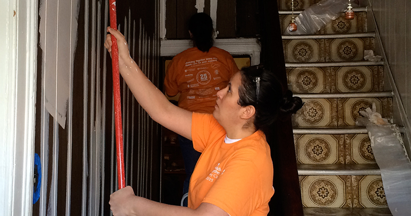 The Provident Bank Employees Volunteer For Rebuilding Together - NJ PA